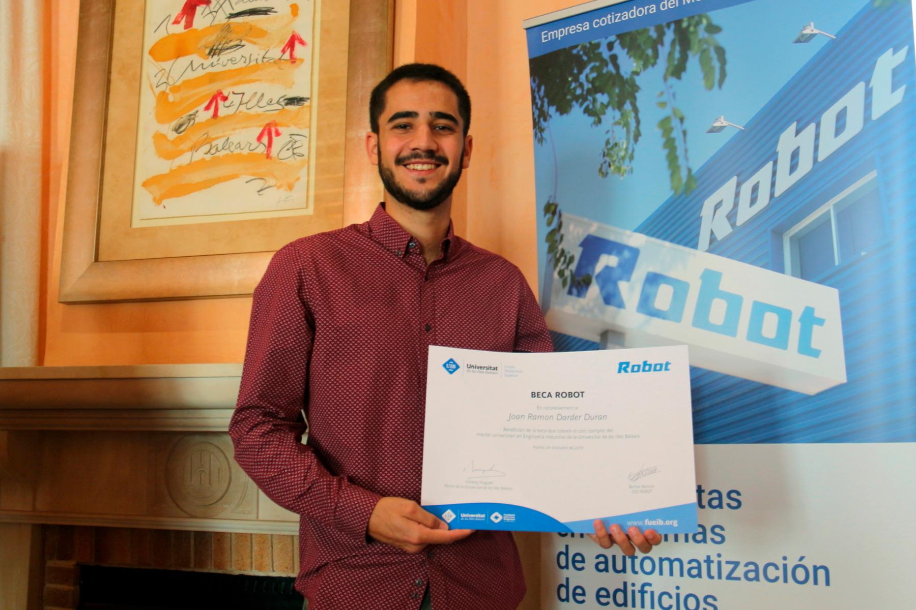Joan Ramon Darder is the winner of Robot scholarship