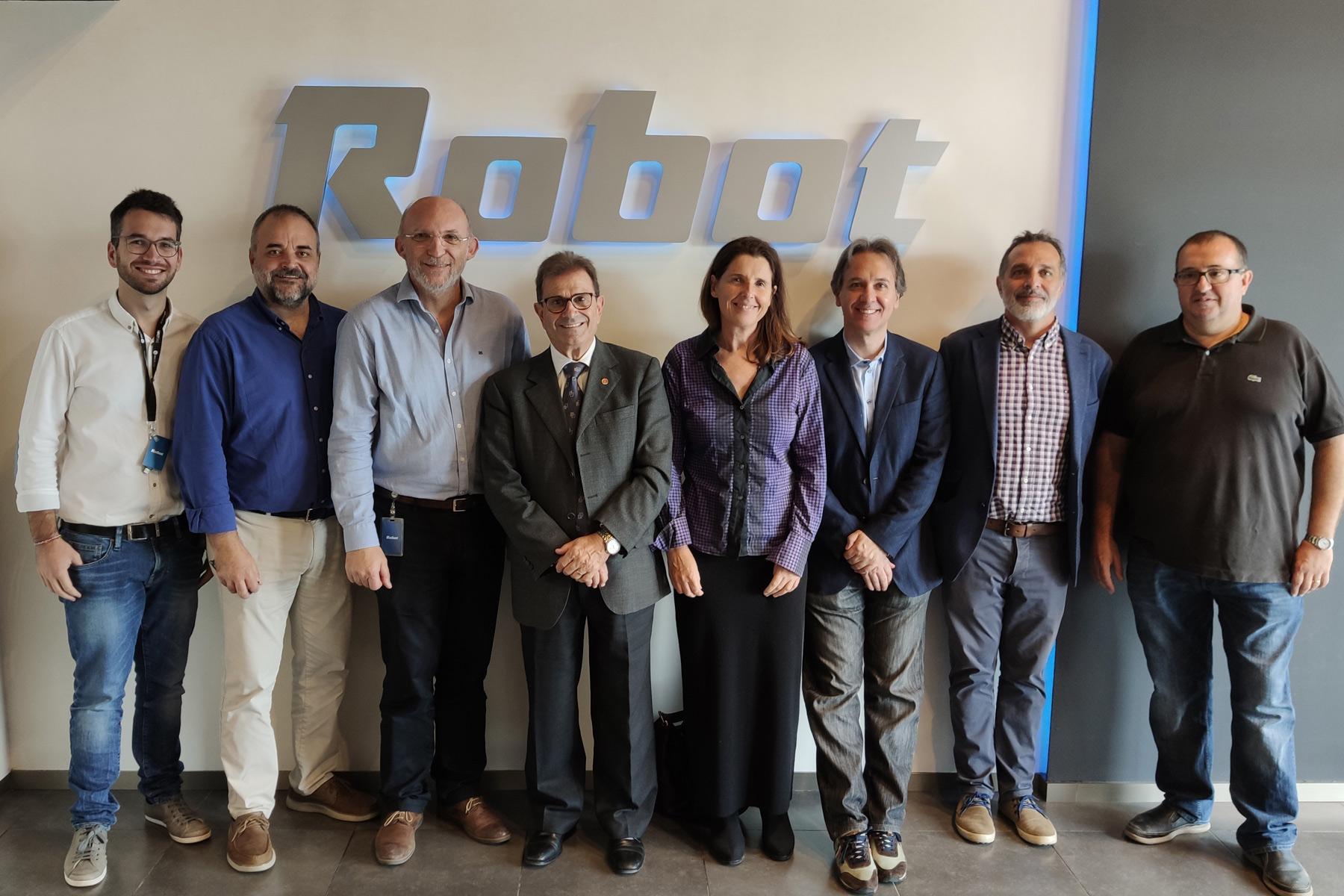 El rector de la UIB visita las instalaciones de Robot