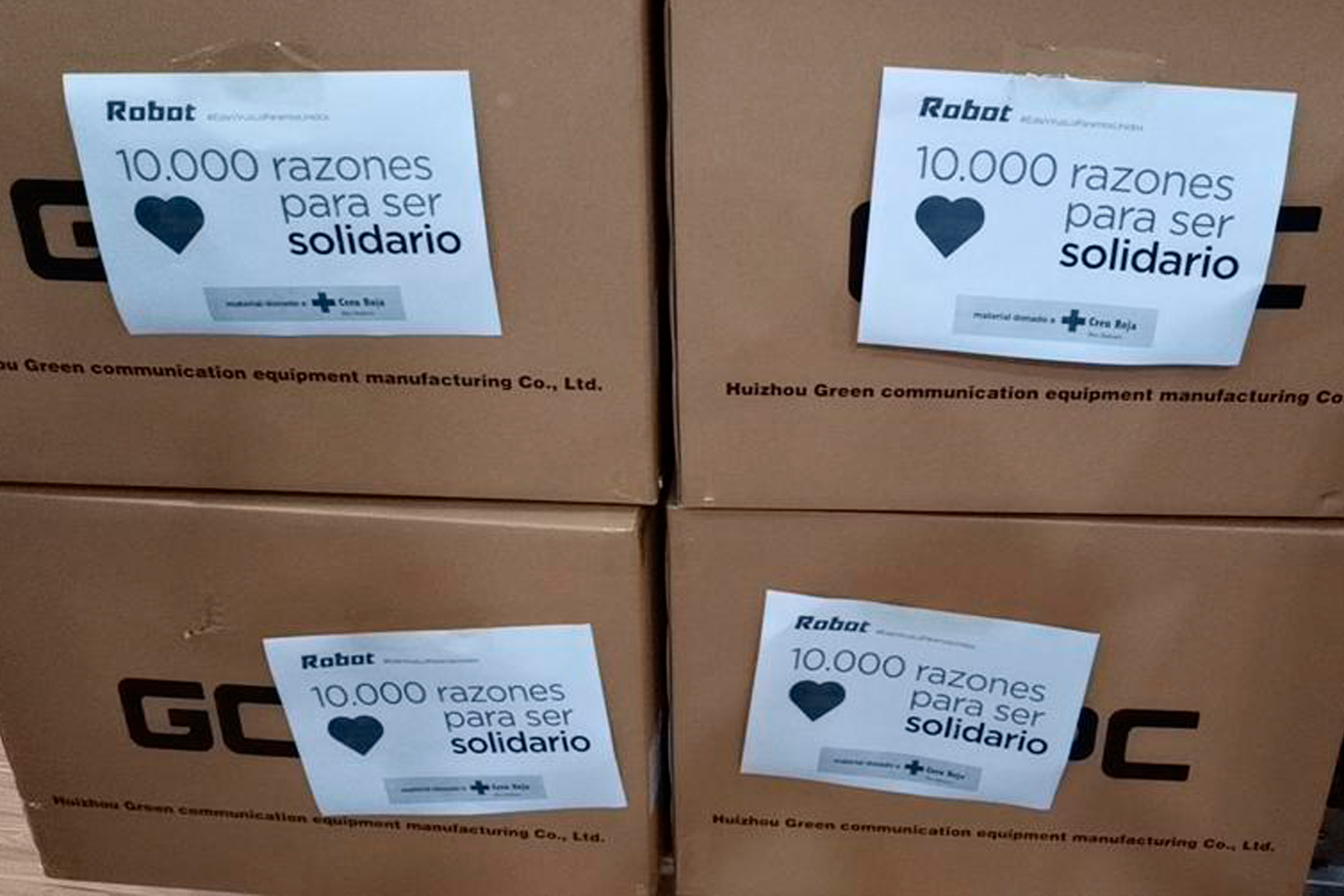 Robot dona 10.000 mascarillas a la Creu Roja Balear