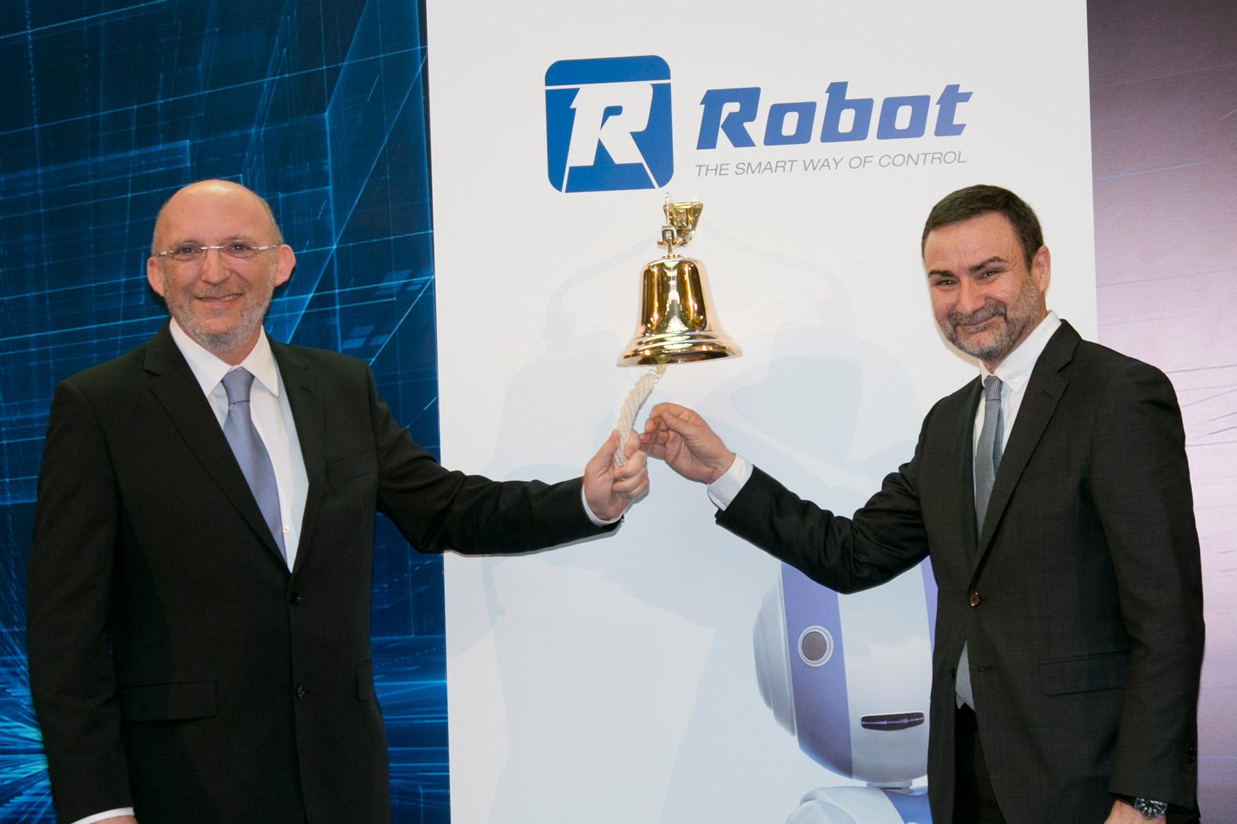 Robot cumple su primer año en el MaB